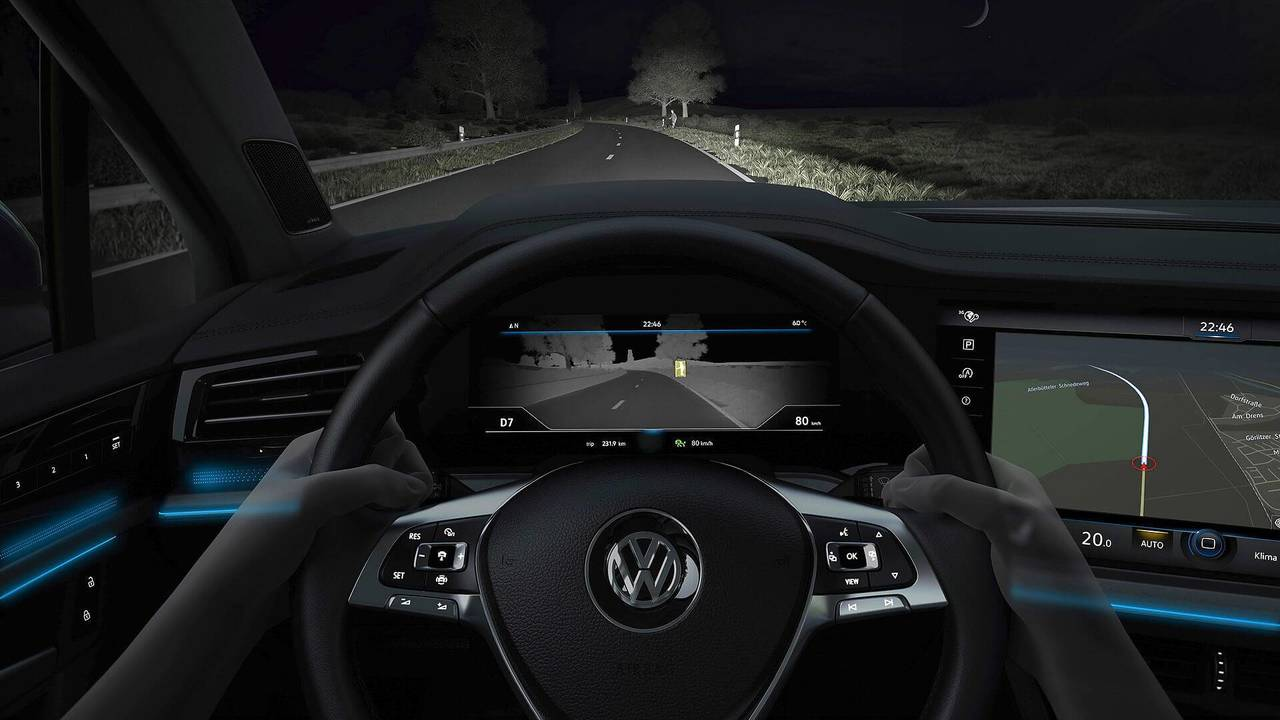 2019 VW Touareg - Night vision
