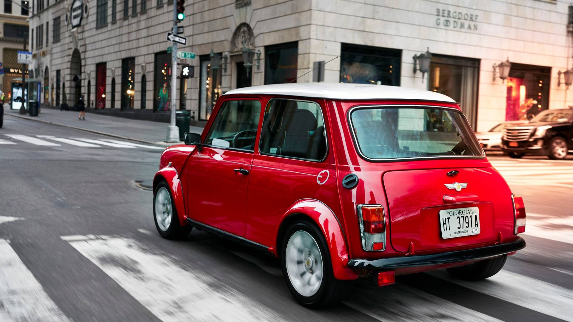 Mini Unveils Classic Cooper With Electric Power For New York - Classic mini car