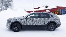 Mercedes-Benz EQ C New Spy Photos