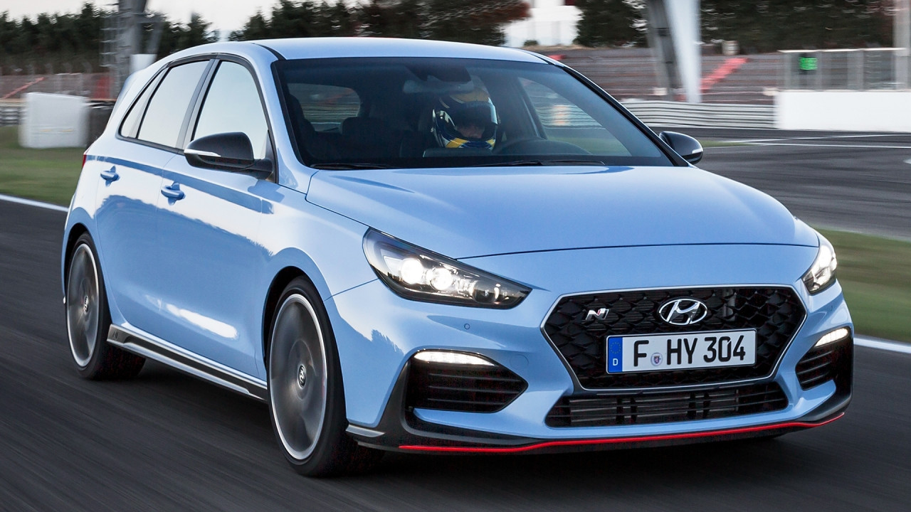 [Copertina] - Hyundai i30 N, prezzi e concorrenti