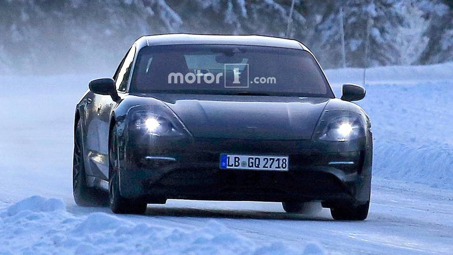 Porsche Mission E kamuflajlı olarak görüntülendi