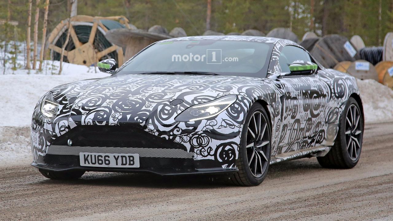 Aston Martin DB11 S fotos espía