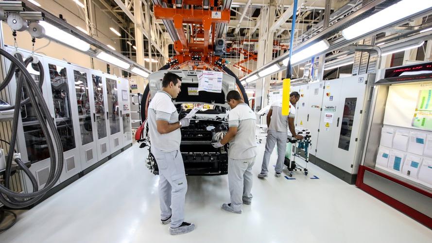 Stellantis celebra Fiat e Jeep e prevê crescimento das francesas