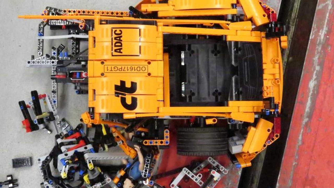 crash test porsche 911 gt3 rs lego technic. Black Bedroom Furniture Sets. Home Design Ideas