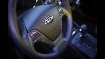 Kia Forte (Cerato) é apresentado no Salão de Los Angeles - Versão de entrada terá motor 1.8 de 150 cv
