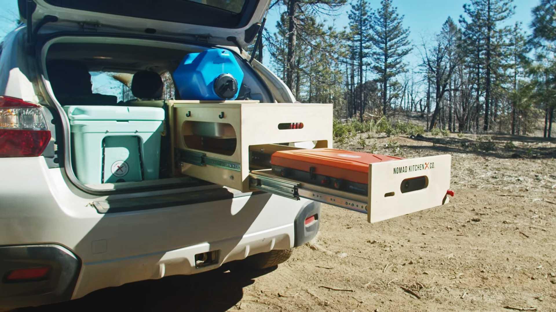 Mobile nomadic kitchen