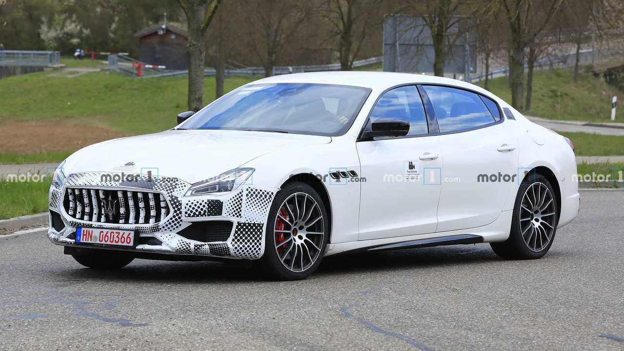 Maserati Quttroporte spia lifting foto
