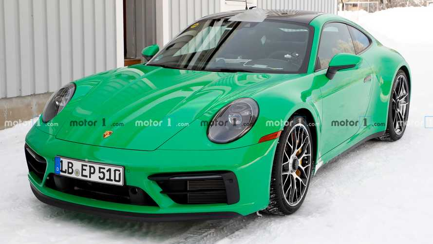 Porsche 911 GTS spied in eye-catching green with no camouflage