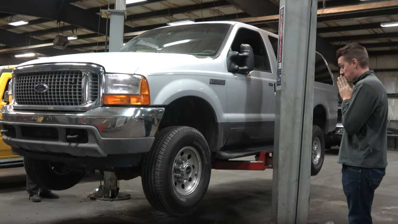 Tyler Hoover Buys A Ford Excursion