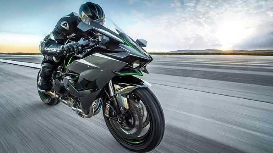 The Kawasaki Ninja H2 R Races Into The Indian Market
