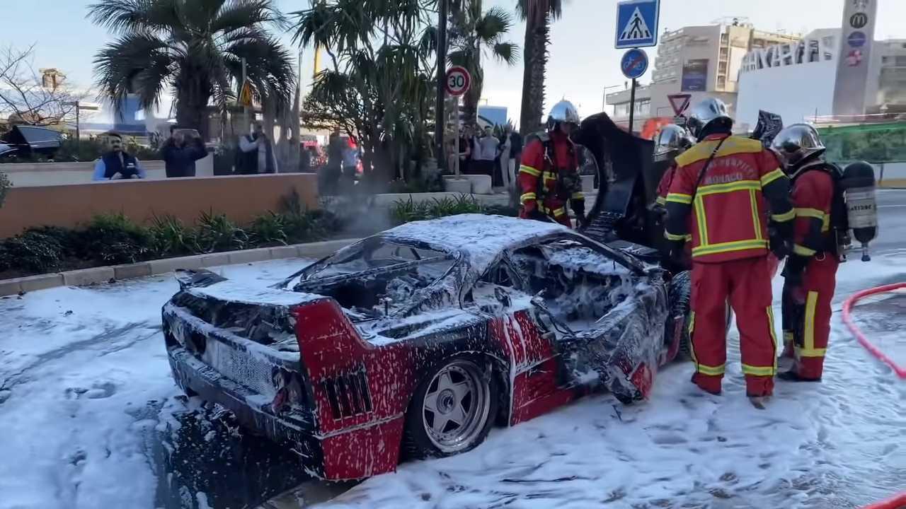 Сгоревшая Ferrari F40