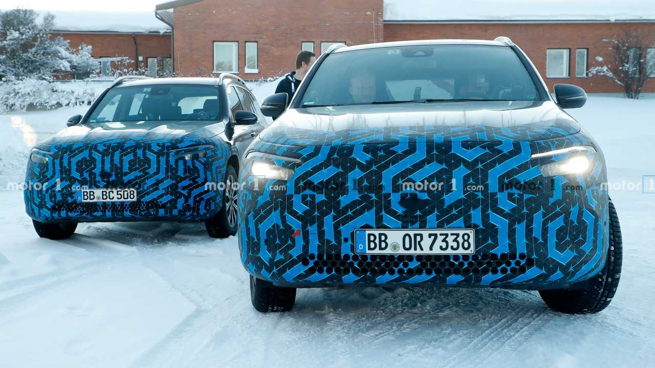 Mercedes EQA and EQB spy photo