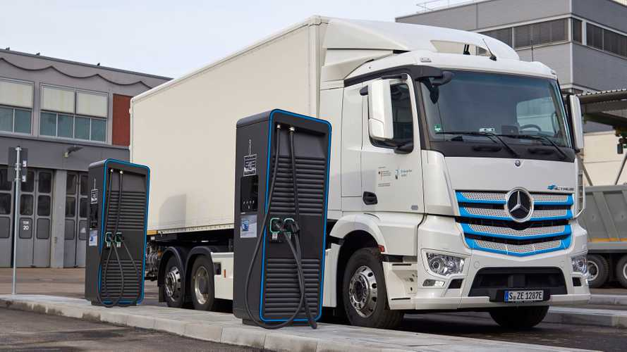Daimler Trucks Announces Global 'eTruck Charging Initiative'