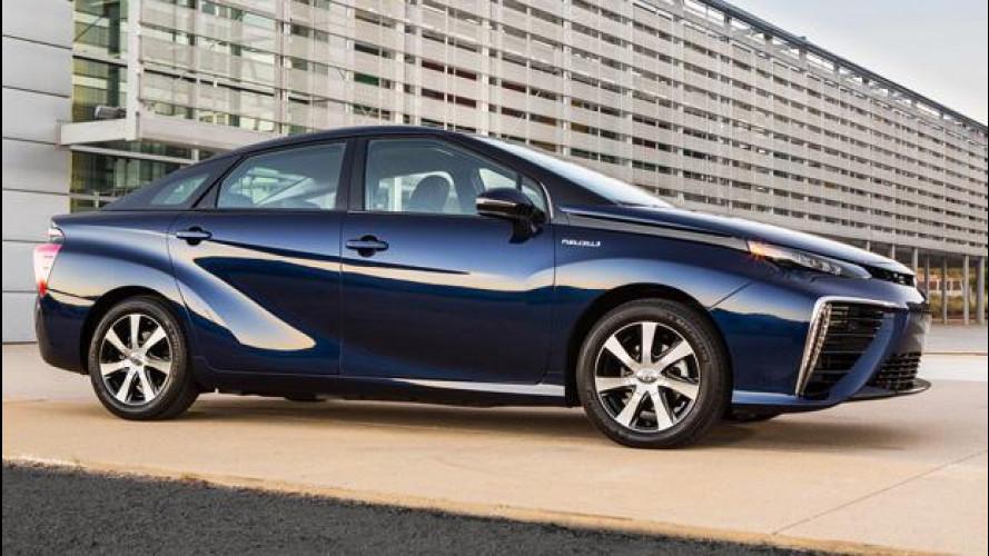 Toyota Mirai, partono le vendite in Europa, ma non in Italia