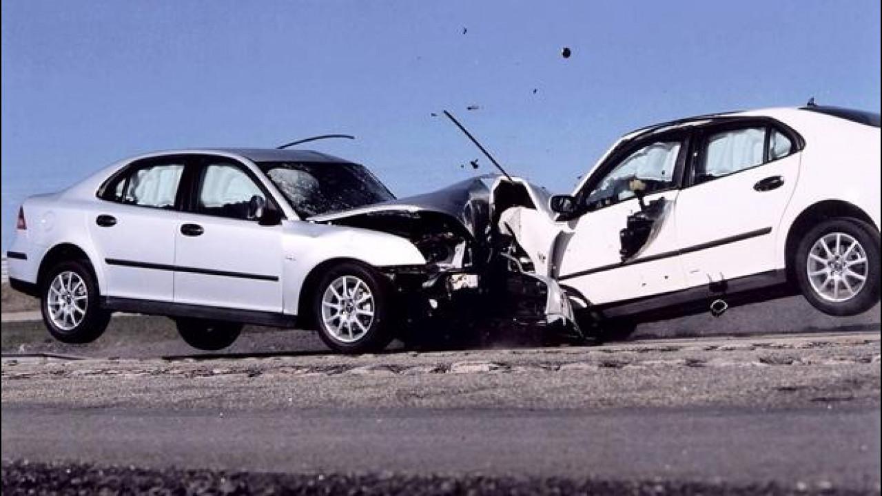 [Copertina] - Incidenti stradali dovuti all'alcol: cittadini esasperati