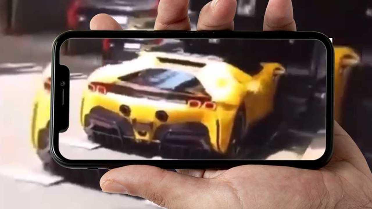 La brutta avventura della Ferrari SF90 Stradale caduta dal camion