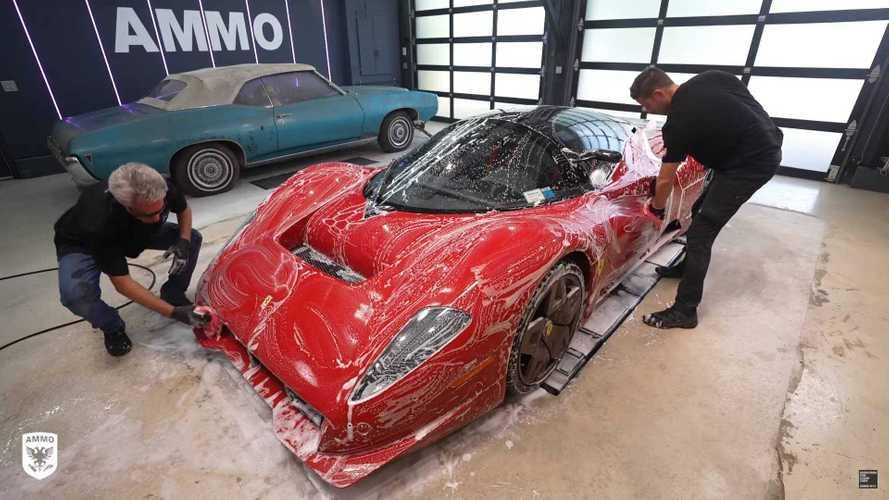 Ecco come si lava una Ferrari da 4 milioni di euro