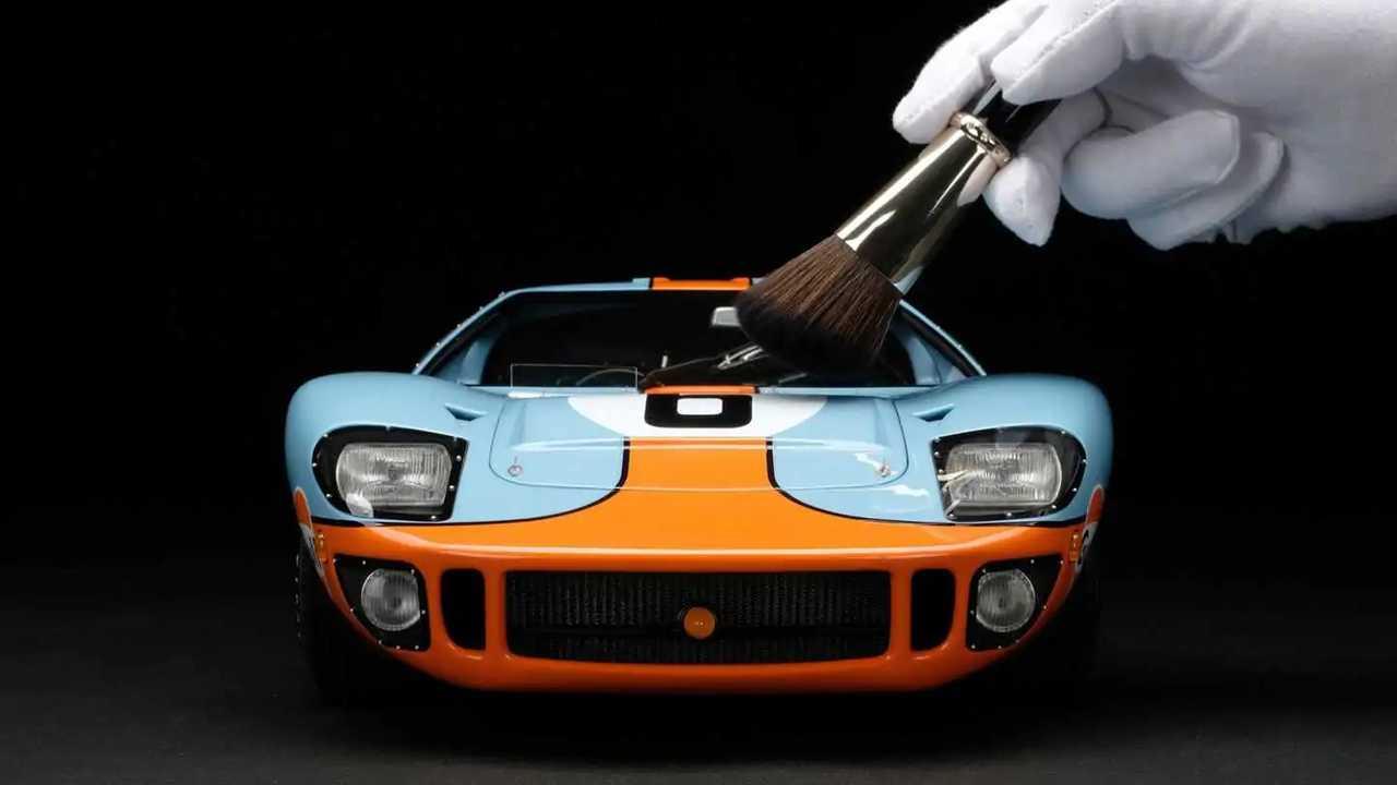 Ford GT40 modellino Amalgam in scala 1:8
