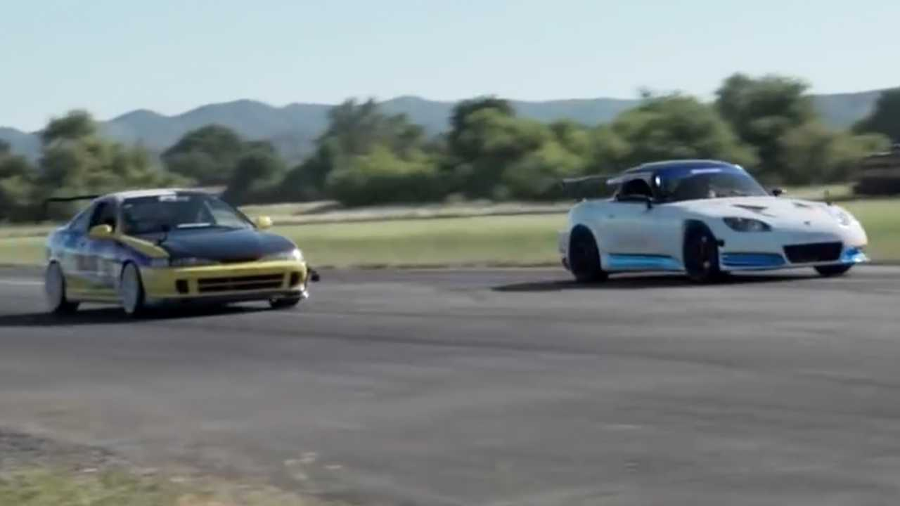 Honda S2000 ve Acura Integra Type R drag yarışında