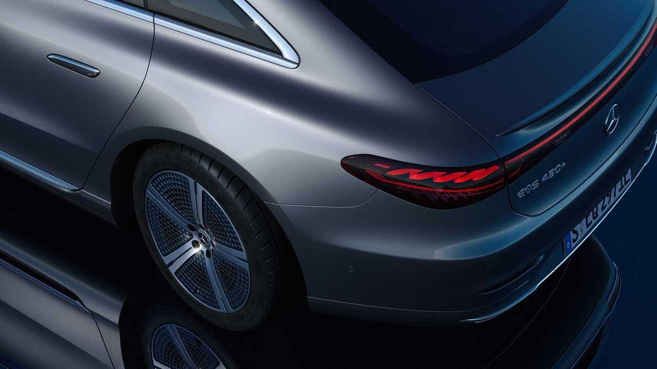 Mercedes EQS rear-wheel steering