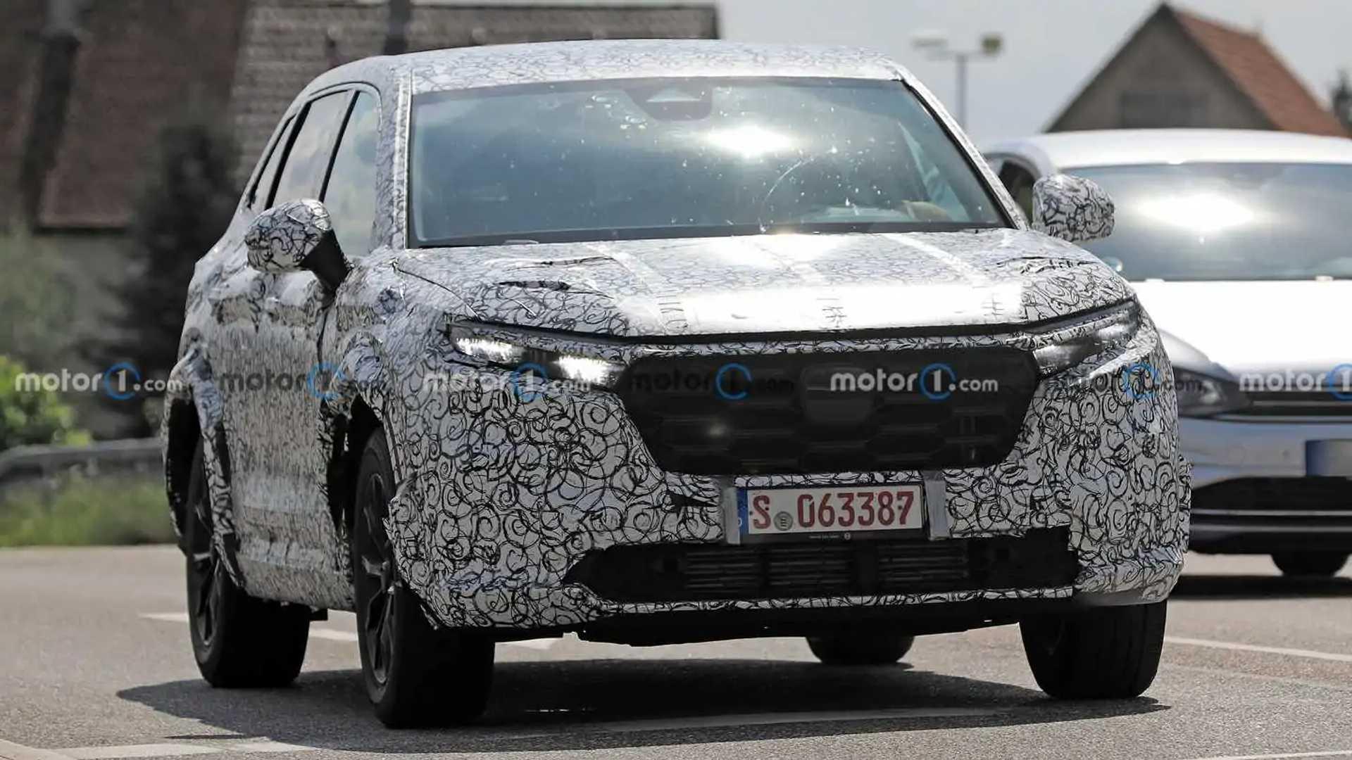 2023 Honda CR-V new spy photos (front three-quarters)