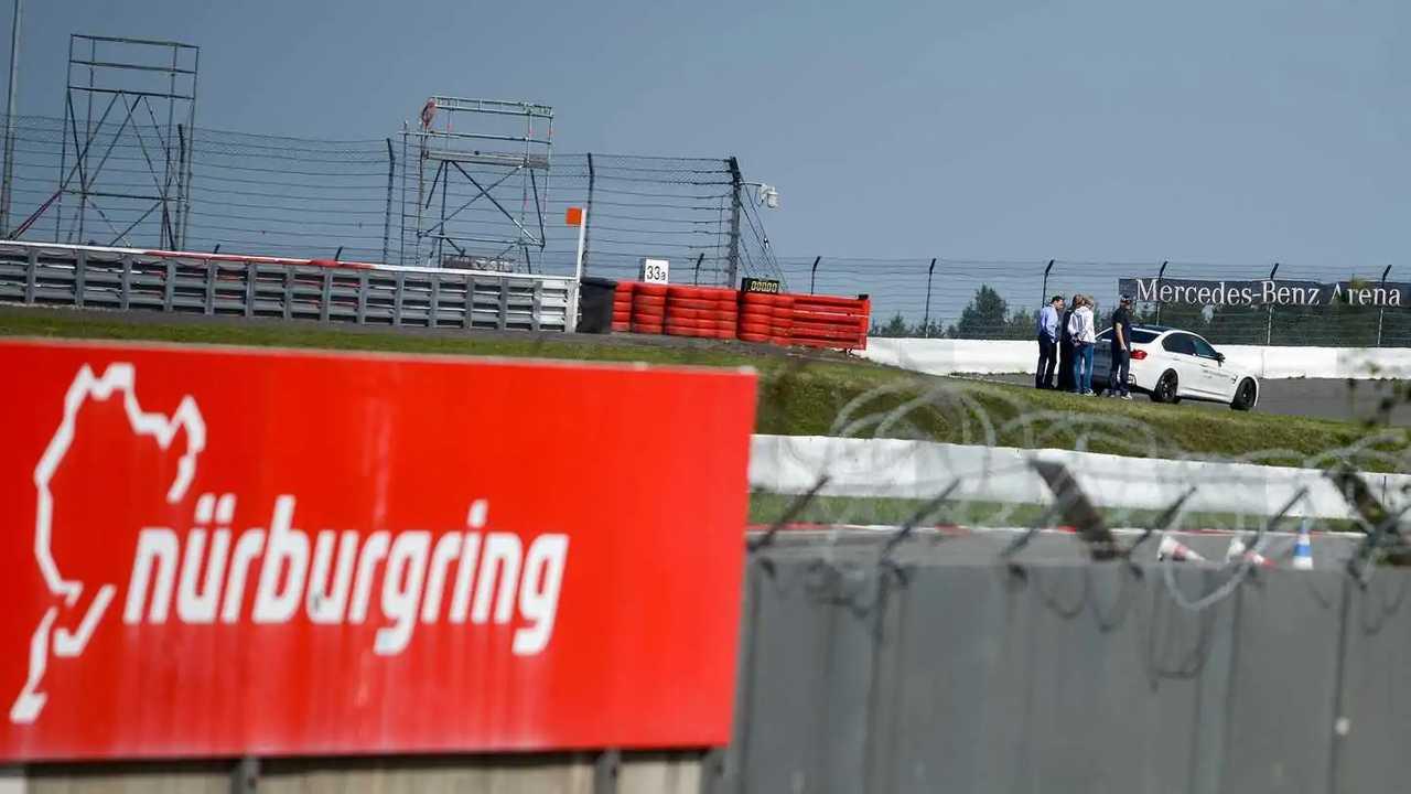 Nürburgring pankartı