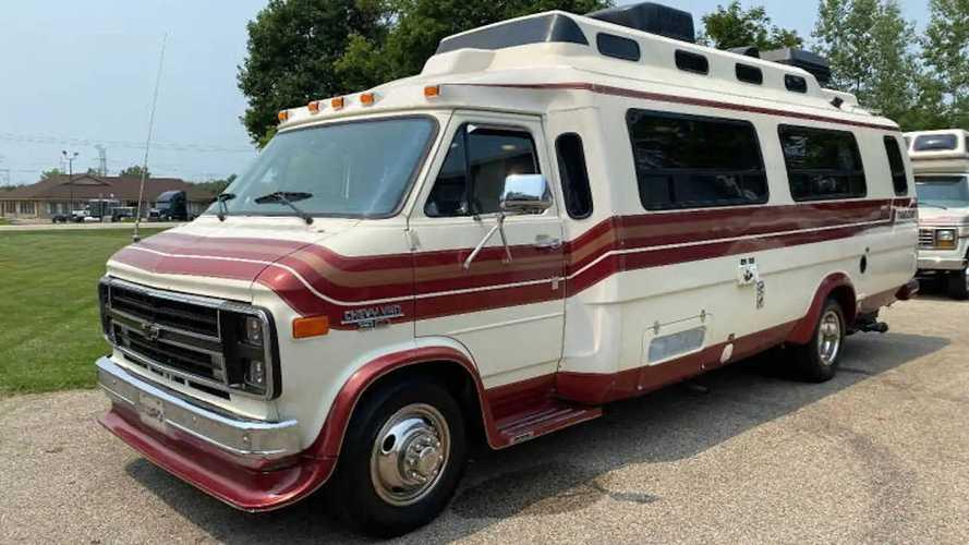 """Camper, venduto un """"sottomarino"""" Chevrolet G30"""