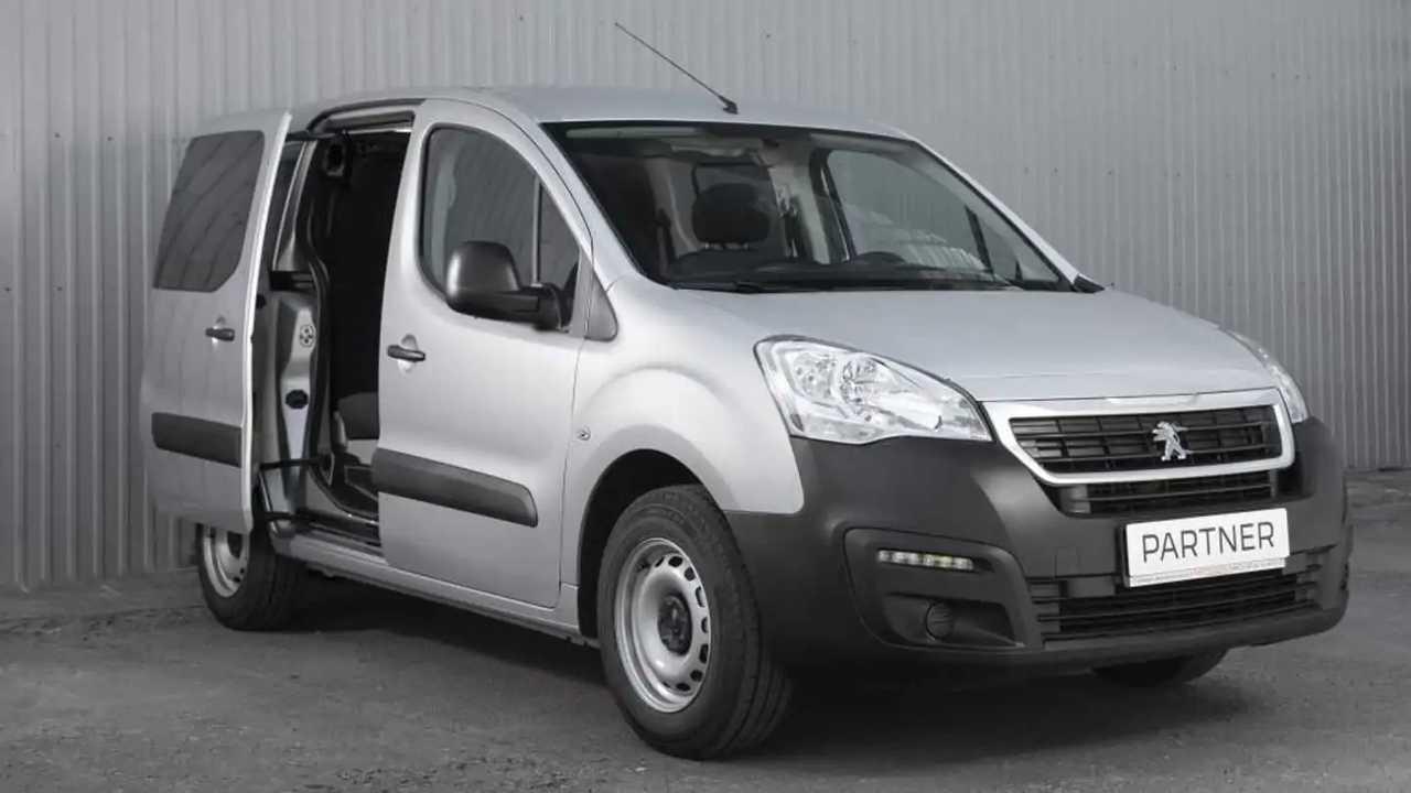У «нашего» Peugeot Partner появились новые версии на 5 и 7 мест