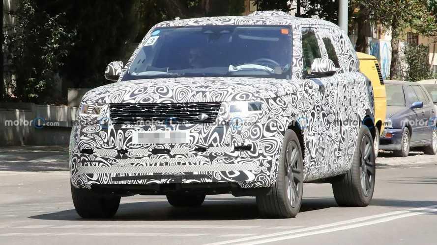 Next-Gen Range Rover spied in SVR trim with quad exhausts