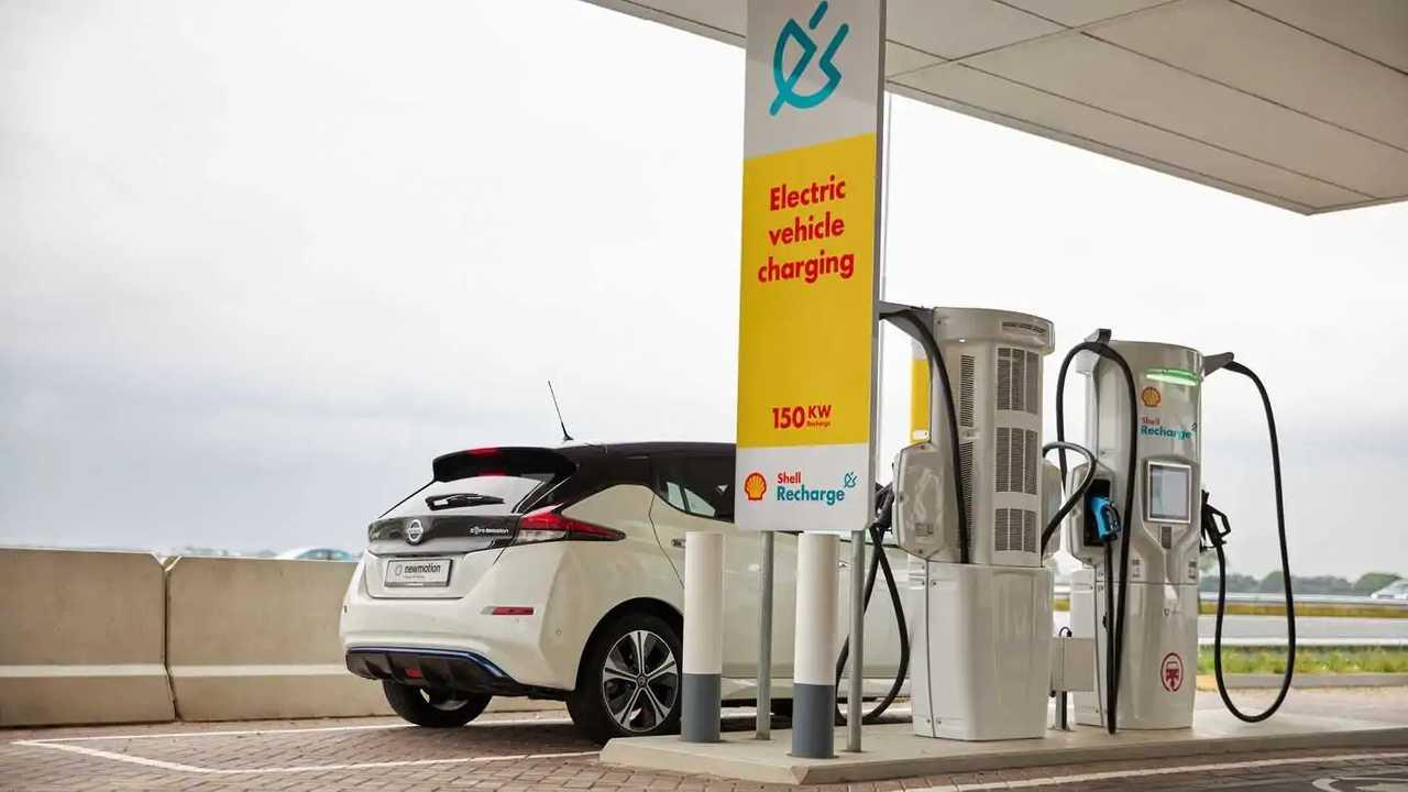 Una stazione di ricarica per auto elettriche di Shell