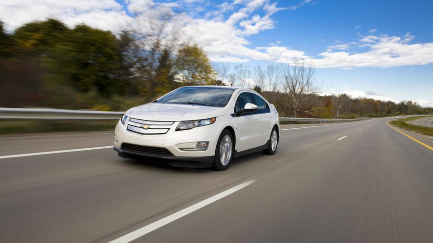 Chevrolet says Volt owners averaging 900 miles between fill-ups