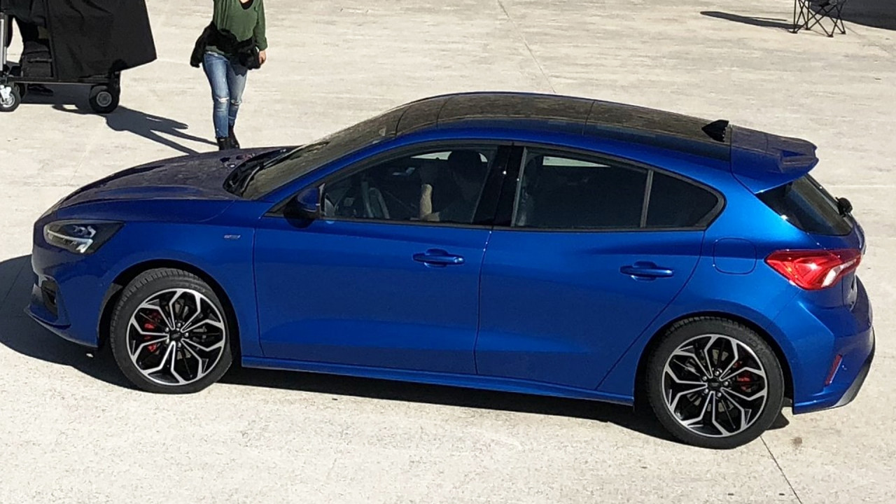 [Copertina] - Nuova Ford Focus, la prima foto senza veli
