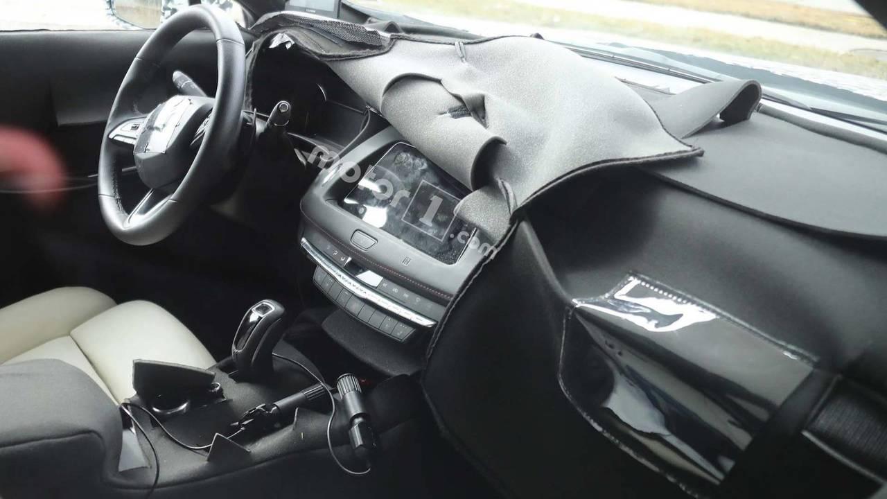 Cadillac XT4 kabin