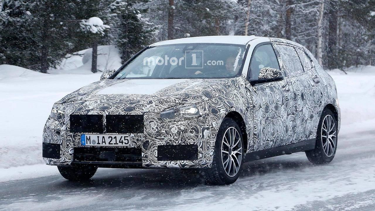 BMW 1 Serisi Yeni Casus Fotoğrafları