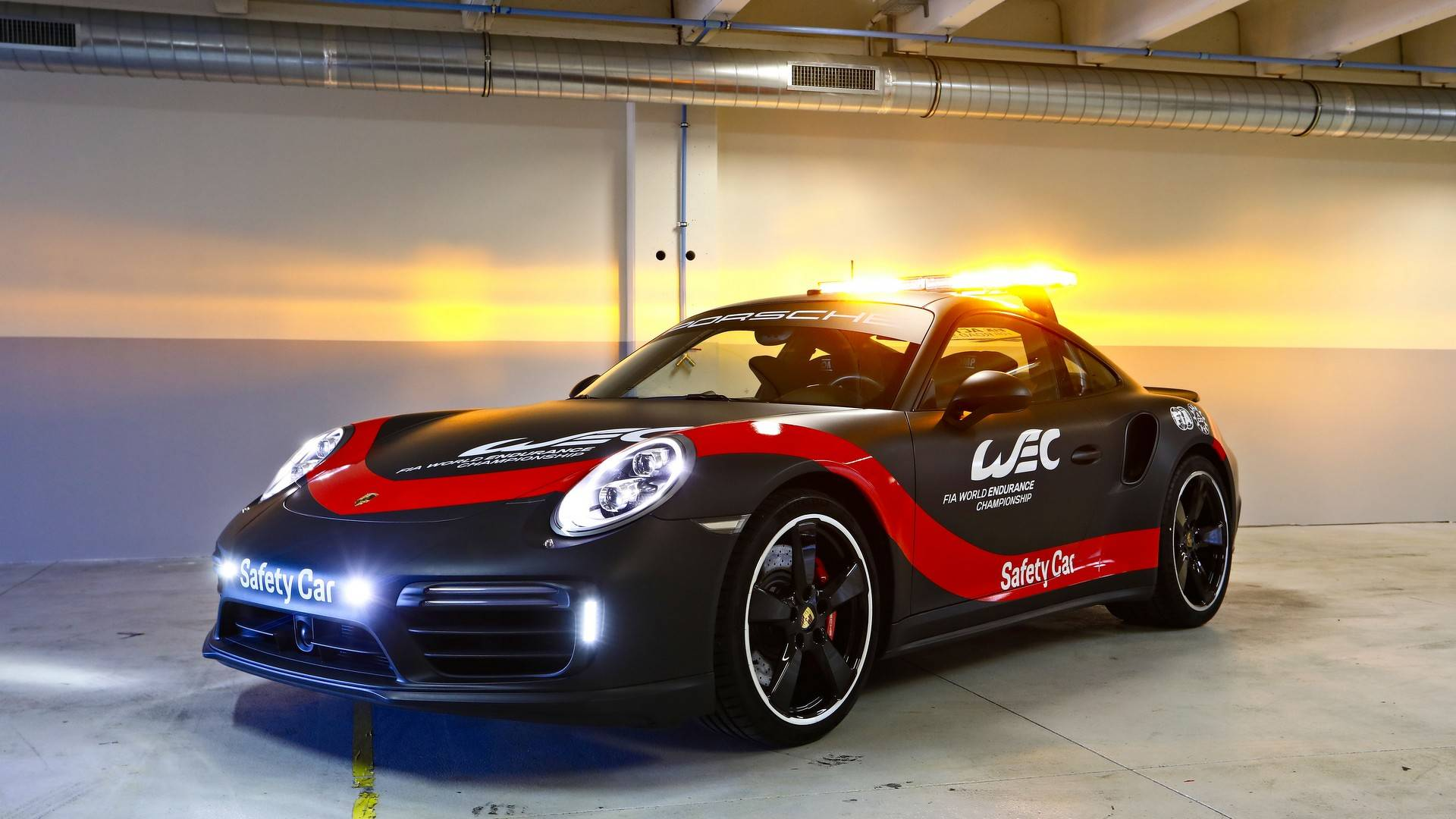 Porsche 911 Turbo (991.2) WEC Safety Car (Front)