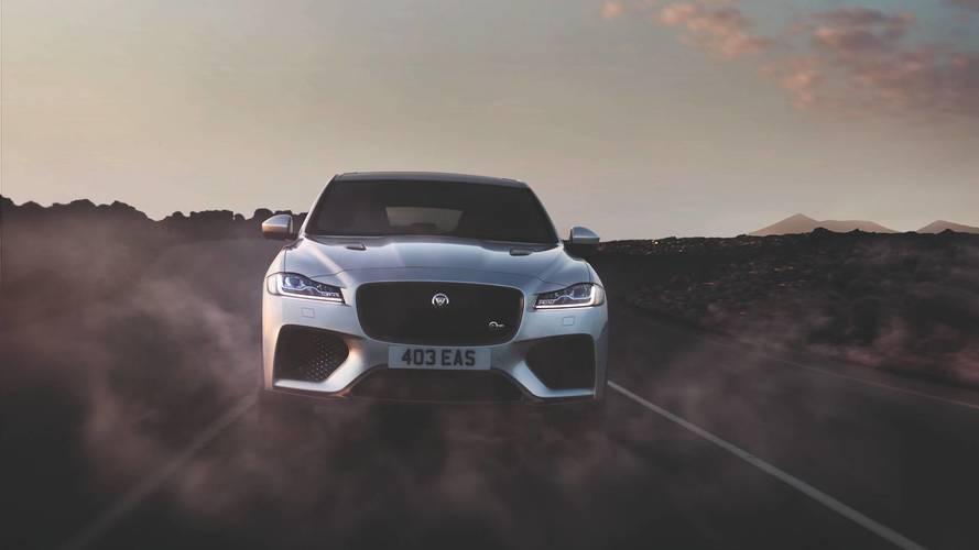 Jaguar mostra SUV J-Pace e novos XE e F-Type em apresentação secreta