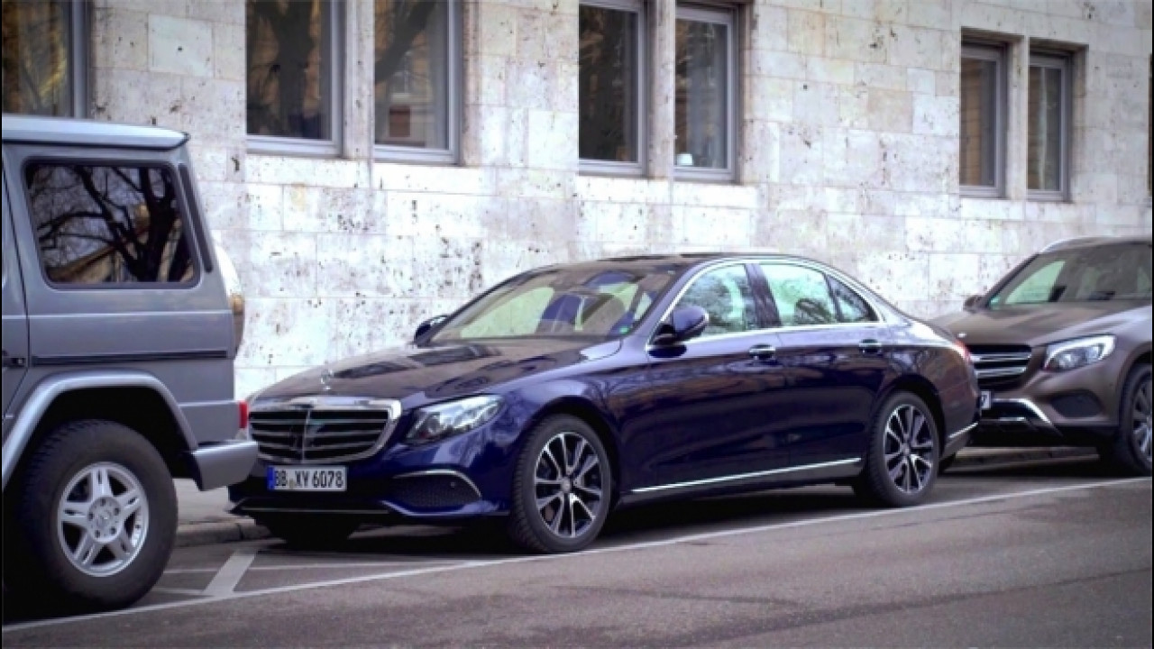 [Copertina] - Mercedes, se c'è un parcheggio libero te lo segnala l'auto