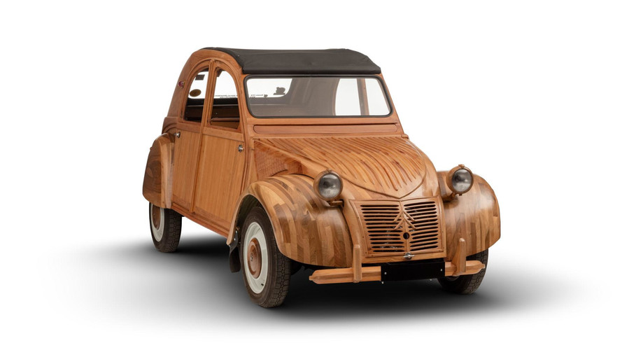 Citroën 2CV Lives On Eternally As Amazing Wooden Sculpture