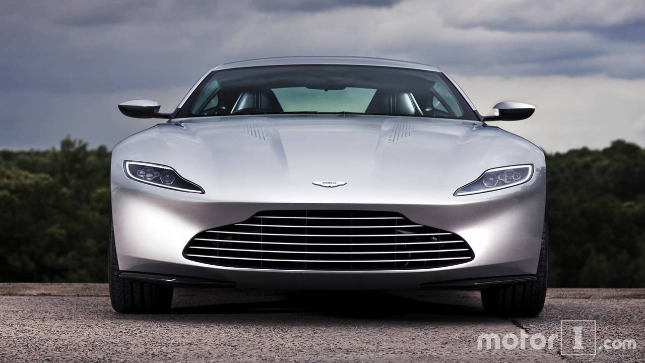 Aston Martin Vantage vs DB10
