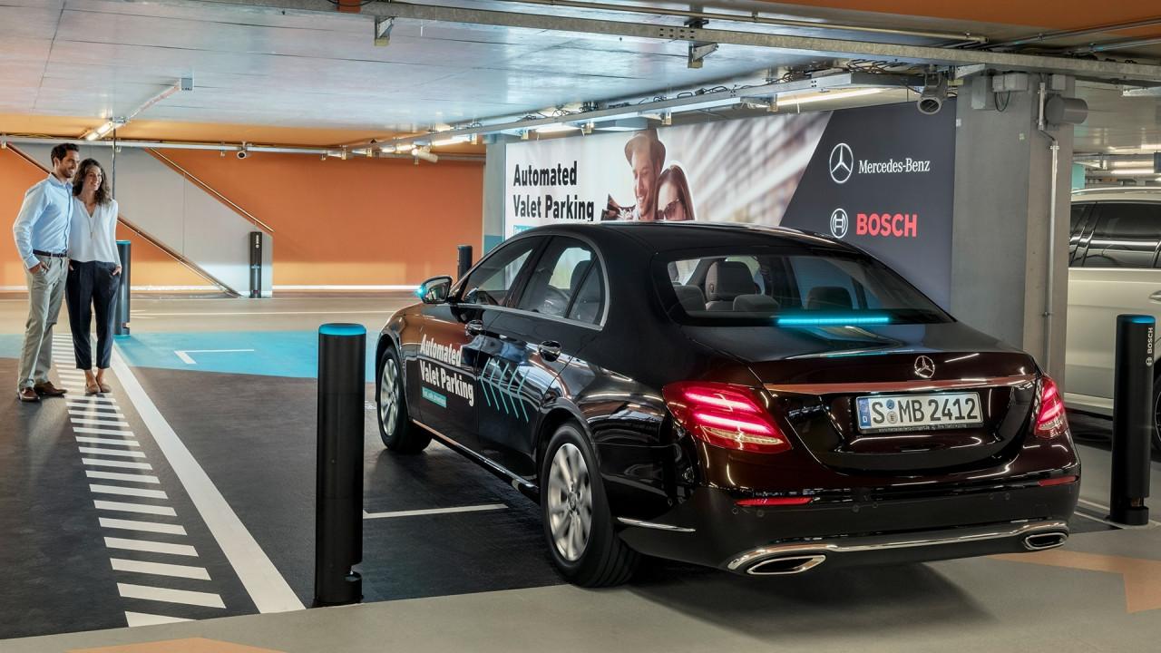 [Copertina] - Mercedes, prove di parcheggio automatico [VIDEO]