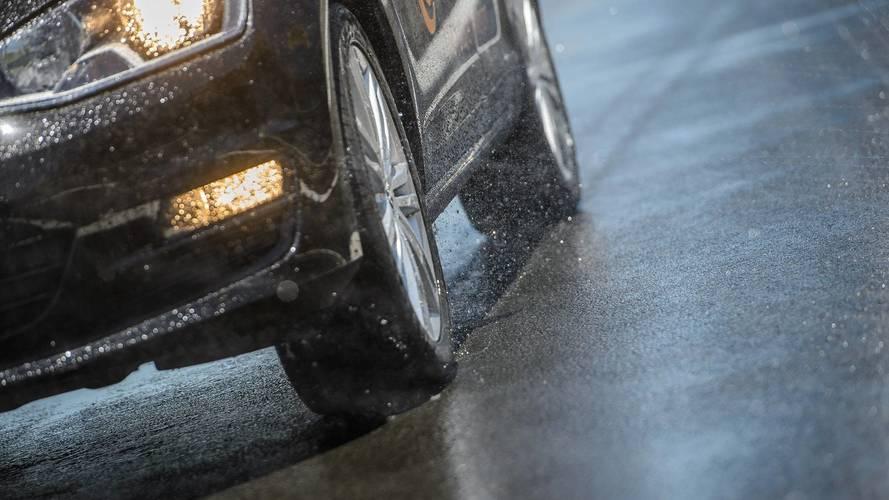Serviço - Cuidados com o carro na chuva (e enchente)