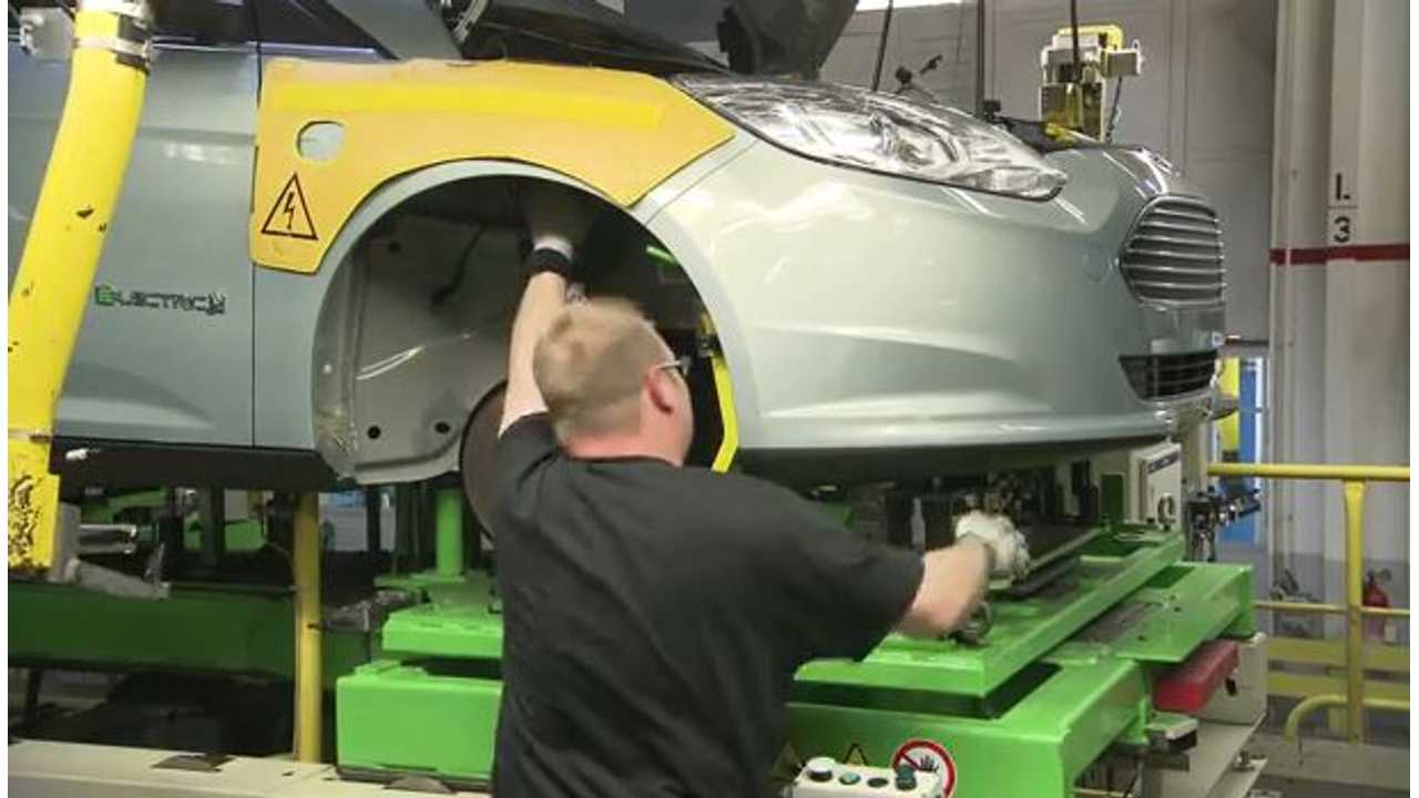 Video: Watch as Ford Assembles the Focus Electric in Germany