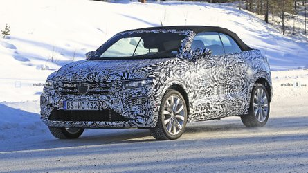VW T-Roc Cabrio Caught On Camera Enduring Cold-Weather Testing