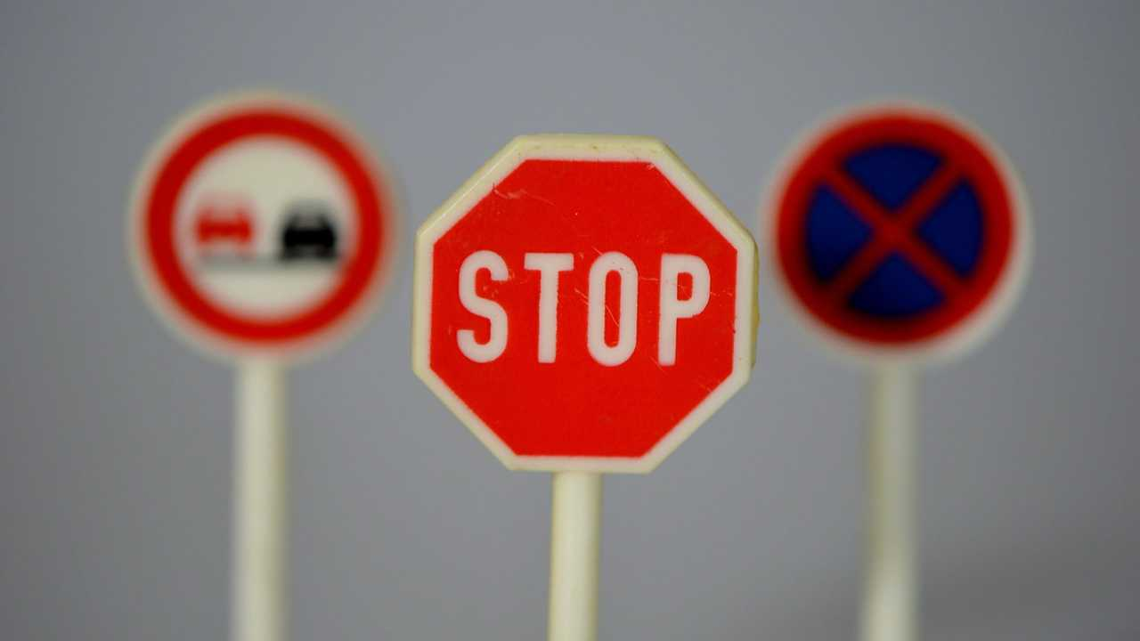 Copertina cartello stop 2