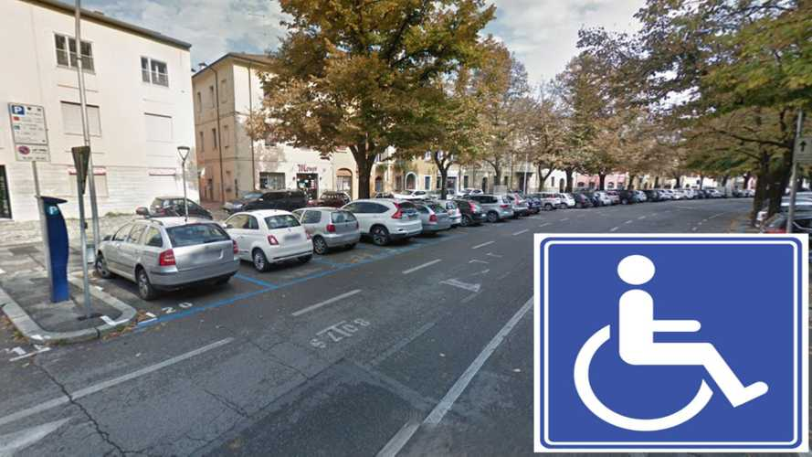 Strisce blu,  la proposta per rendere la sosta gratis ai disabili