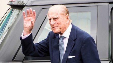 Prince Philip survives car crash scare