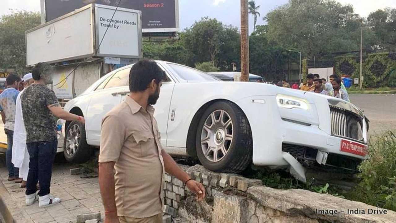 Rolls-Royce Ghost Crash