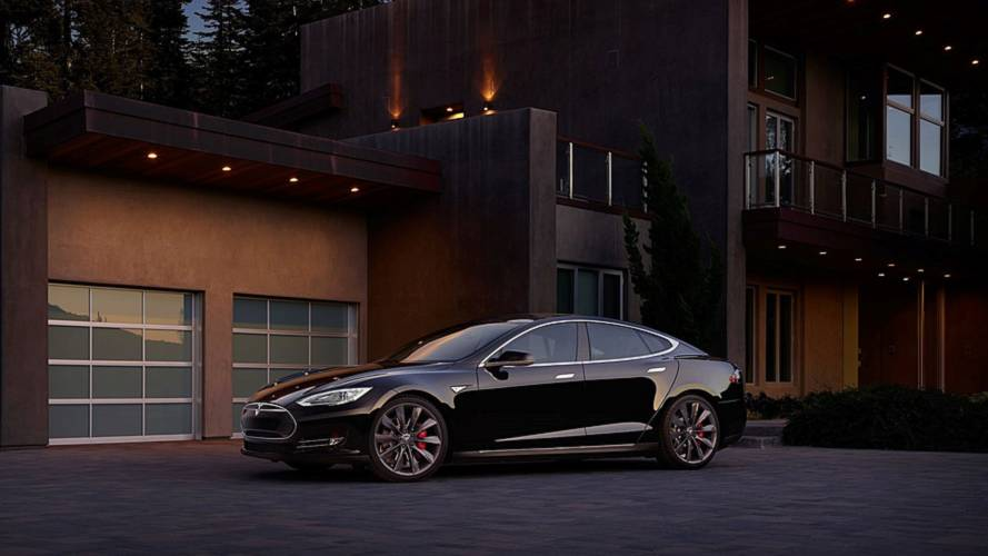 Highest Mileage Tesla Now Has Over 420,000 Miles