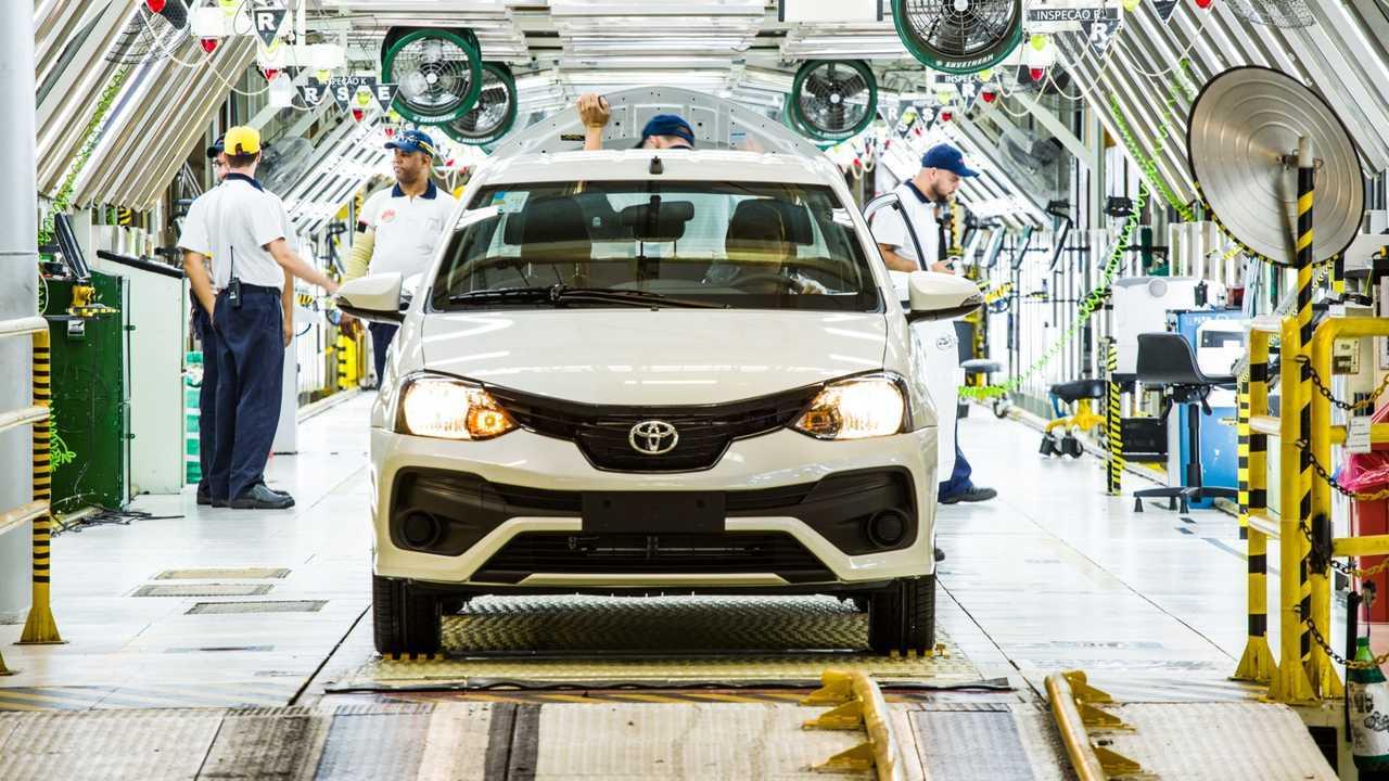 Toyota inicia terceiro turno
