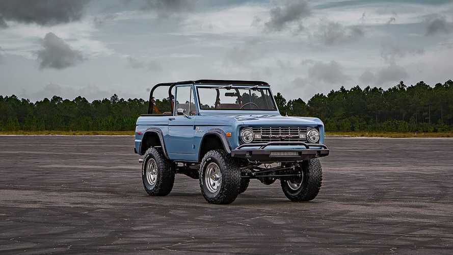Un Ford Bronco de 1973... ¡con 1.500 horas de restauración!